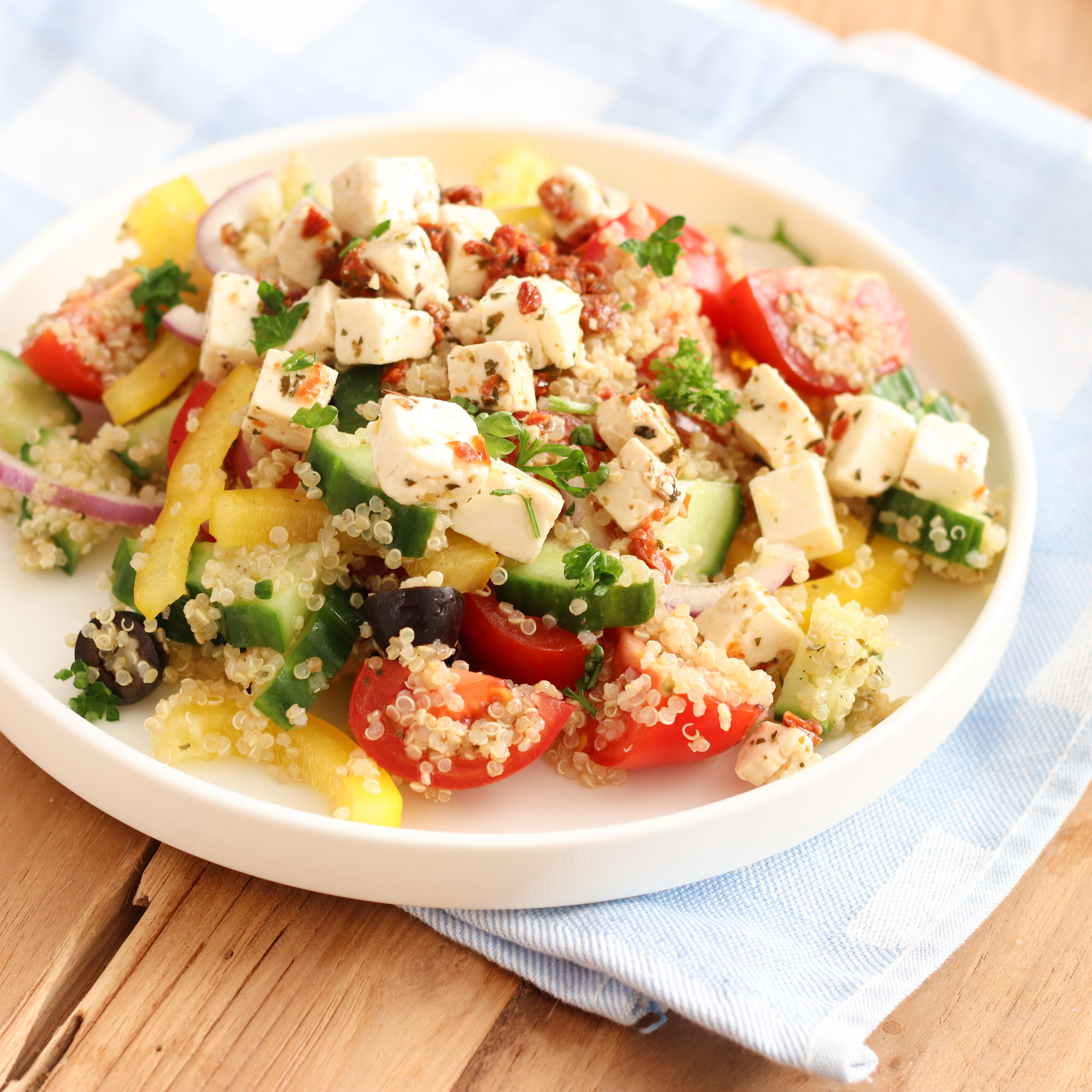 Griekse quinoa salade met Apetina